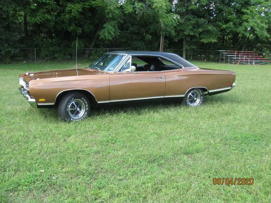 1969 Plymouth Satellite 2 door hardtop Coupe.Tinted Windshield.AM/FM radio.
