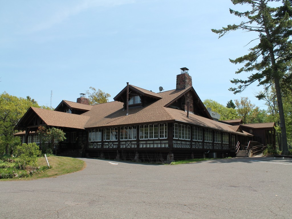 Keewenaw Mountain Lodge