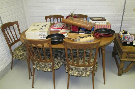Dining Table & Contents