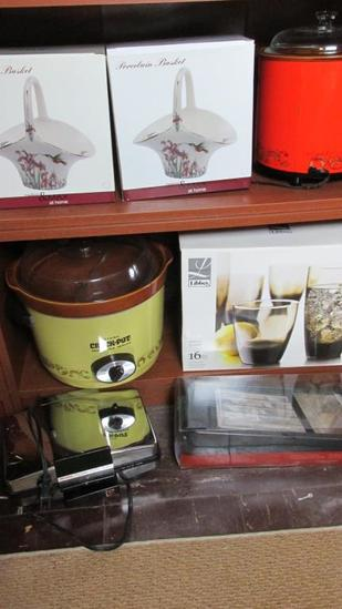 Contents Of 2 Shelves (7) Home Goods - BSM2
