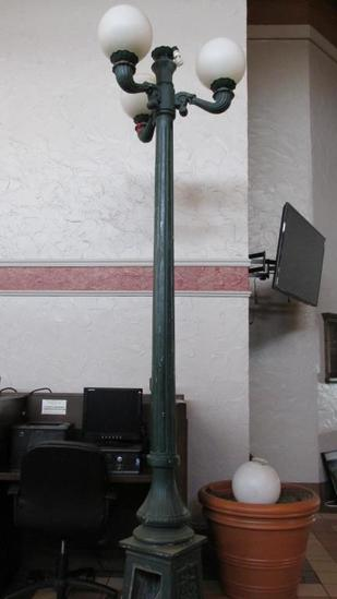 (4) Light Street Lamp - L
