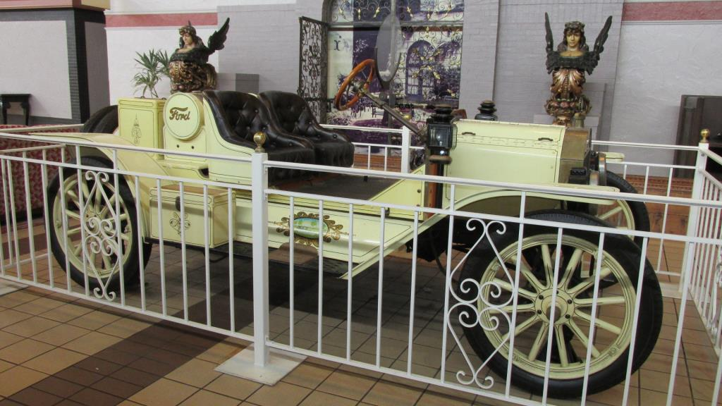 1915 Ford Model T Roadster - L
