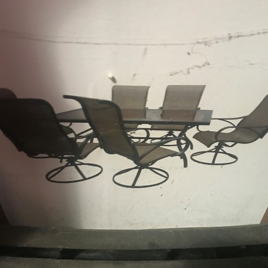 7 Piece Patio Set Includes Swivel Chairs