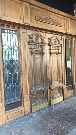 C - Oak Entry Way With Beveled Window