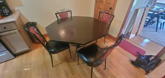 K- Embossed Black Octagon Table & 4 Chairs
