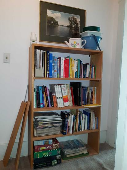 UH- Wood bookcase with contents