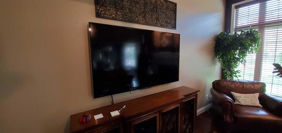 "LR- 65"" SONY Bravia Flatscreen Television"