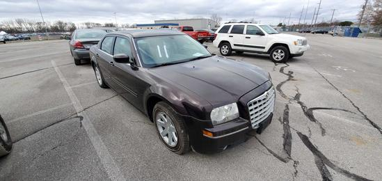 2005 Brown Chrysler 300