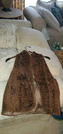 HC- (2) Womens Vests, Mink & Wool