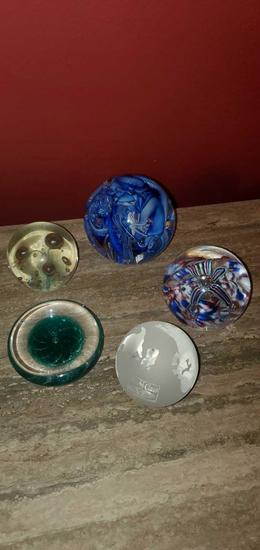 L- (5) Paperweights
