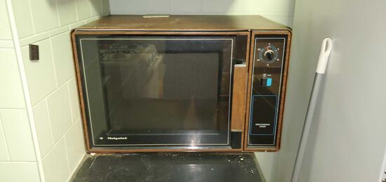 K- Hotpoint Microwave Oven