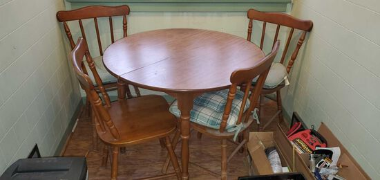 K- Table with (4) Chairs