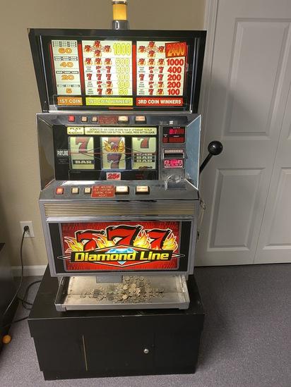 Slot Machine Diamond Line Triple 7s