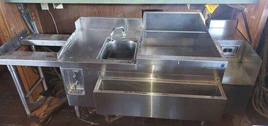 A- Stainless Steel Sink and Ice Holder