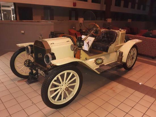 L- 1915 Ford Model T Roadster