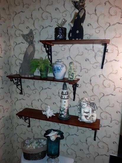 B1- Shelves with Contents