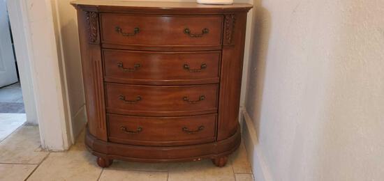 U- Solid Wood 4 Drawer Dresser