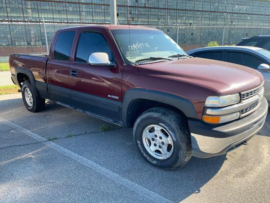 2000 Maroon Chevy Silverado