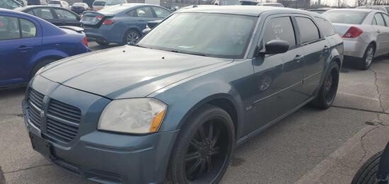 2005 Gray Dodge Magnum