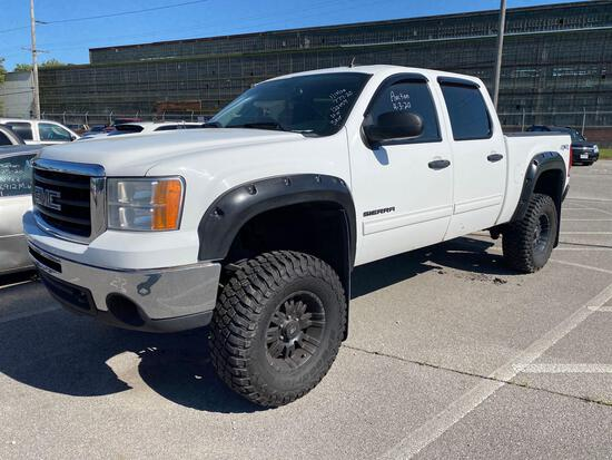 2011 White GMC Sierra