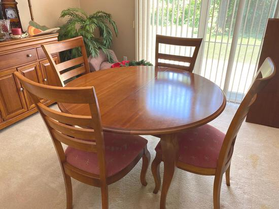 DR- Round Leg Table (4) Chairs
