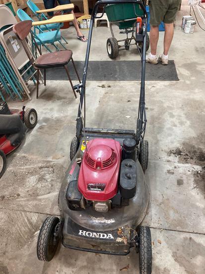 W- Honda HRC 216 Lawn Mower
