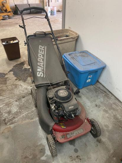 W- Briggs and Stratton Snapper Mower