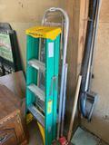 W2- 4' Ladder, Stepstool