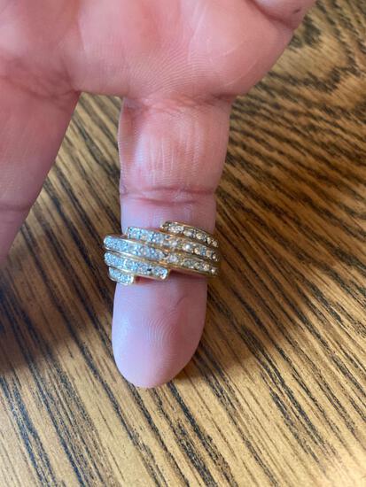K- 18K GE Gold Channel Cut Ring