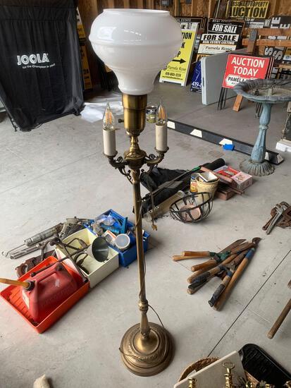 OG- 5 Foot Tall Metal Floor Lamp