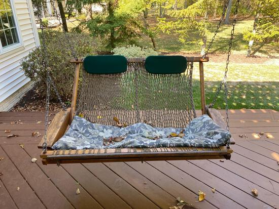O- Outdoor Wood & Roping Swing