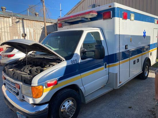 2005 E-Series Ford Ambulance