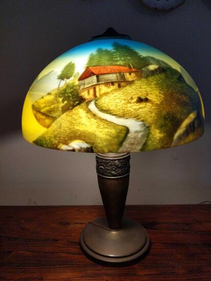 DR- Metal Base Hand Painted Glass Shade Table Lamp