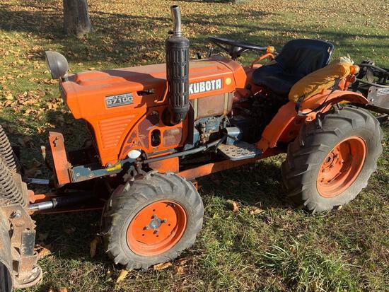 RB- Kubota B7100 Tractor