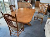 LR- Oak Pedestal Dining Table with 4 Chairs