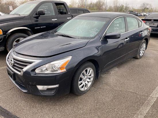 2015 Grey Nissan Altima