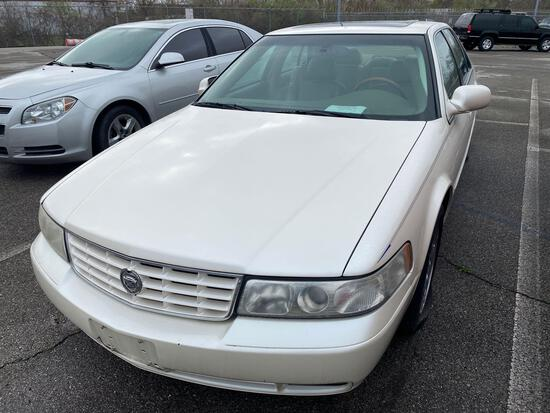 2001 White Cadillac Seville