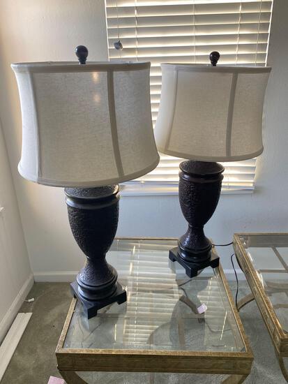 LR- Pair of Resin Base Lamps