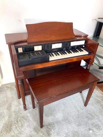 LR- Hammond Organ