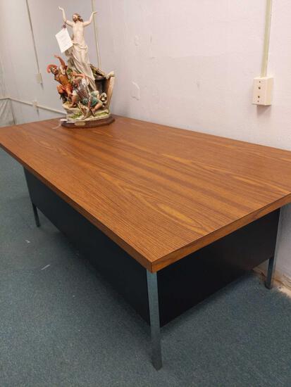 RC1- Formica Top Metal Desk