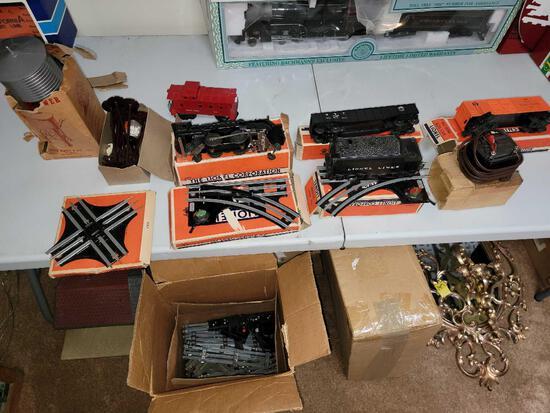 LR- Lionel Model Train Set