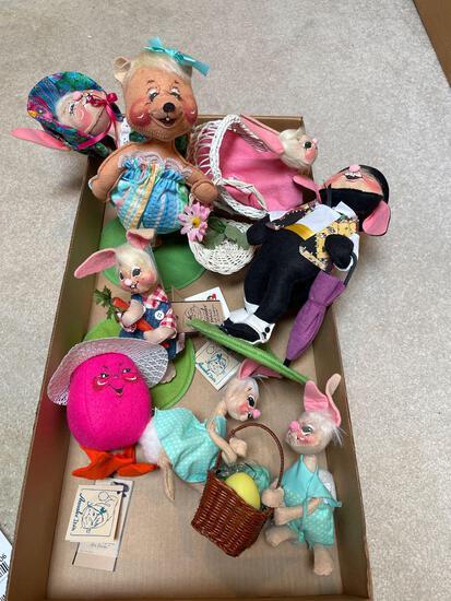 UB2- Annalee Dolls