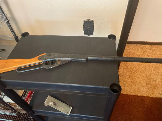 B3- Daisy BB Gun