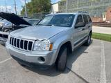 2005 Silver Jeep Grand Cherokee