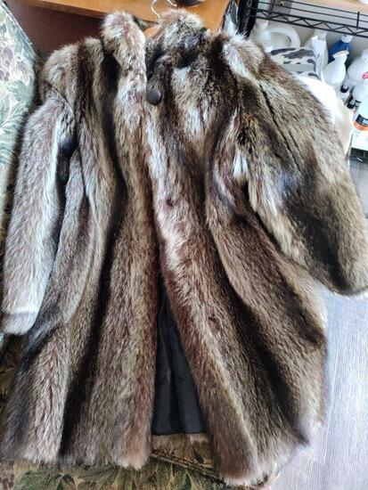 G2- Marquise Fox Fur Coat by Toledo Furs