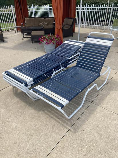 M- Set of (4) Outdoor Lounge Chairs