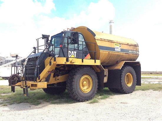 (San Antonio, TX) 2011 Caterpillar 773F Water Tank Truck Runs & Operates, Need Batteries, Buyer Must