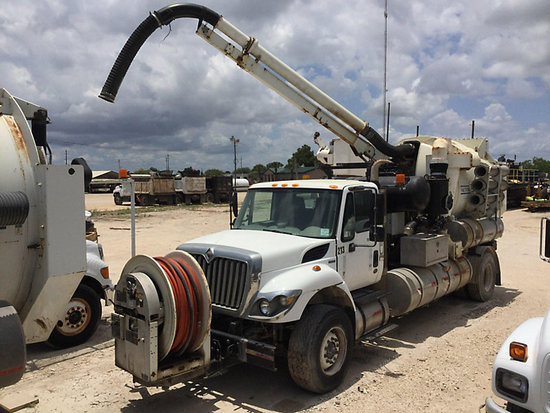 (Brownsville, TX) Vactor 2110-821RCS-15, Vacuum Excavation System mounted behind cab on 2008 Interna