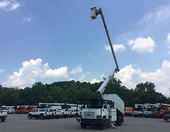 (Smock, PA) Altec LRV60-E70, Over-Center Elevator Bucket Truck mounted behind cab on 2006 GMC C7500