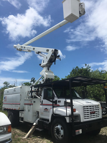 (Clearwater, FL) Altec LRV60-E70, Over-Center Elevator Bucket Truck mounted behind cab on 2006 GMC C